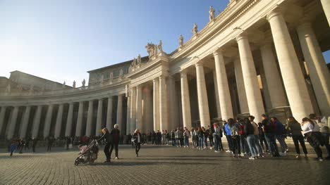 People-Queuing-At-The-Vatican