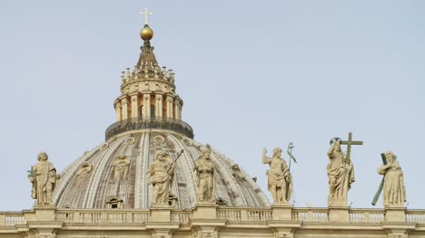 Apostles-On-St-Peters-Basilica-Facade