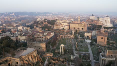 Reveal-Of-Rome-s-City-Skyline-At-Dusk