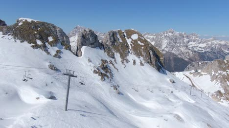 Ski-Lift-in-the-Alps