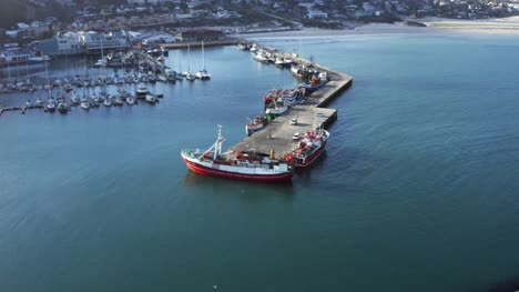 Red-Boat-At-Hout-Bay