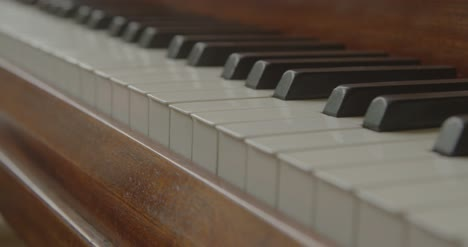 Grand-Piano-Keys-Close-Up