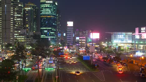Highway-in-Seoul-at-Night