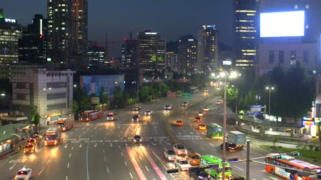 Busy-Road-in-Seoul-at-Night