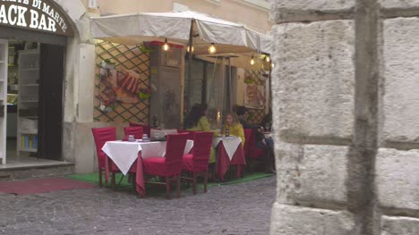 Small-Cafe-in-Rome