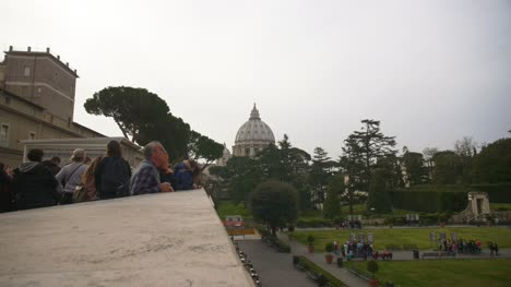 Gardens-Behind-St-Peters-Basilica