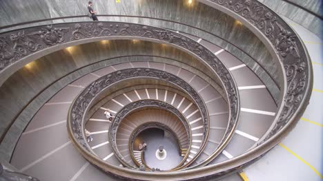 Vatican-Museum-Spiral-Staircase-01