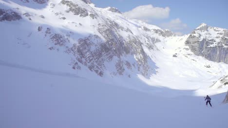 Skiing-in-Alps-02