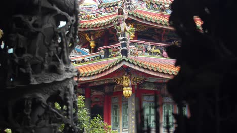 Lungshan-Temple-Architecture-01