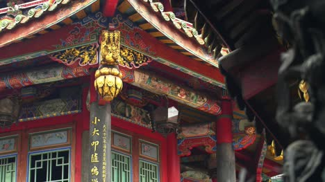 Lungshan-Temple-Architecture-02