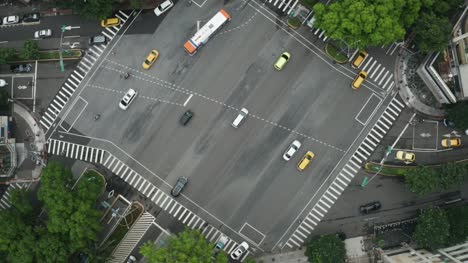 Time-Lapse-Of-Busy-Intersection