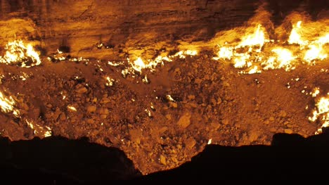 Flames-in-Gas-Crater-Turkmenistan-03