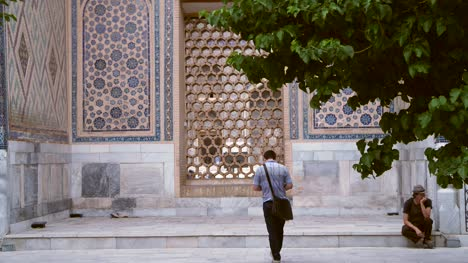 Courtyard-in-Samarkand