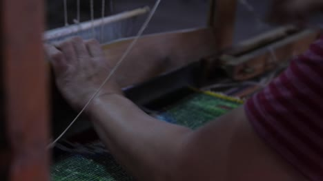 Traditional-Silk-Road-Weaving