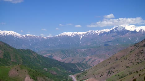 Kamchik-Pass-in-Fergana-Valley