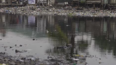 Rubbish-on-Riverbank-Nigeria-02