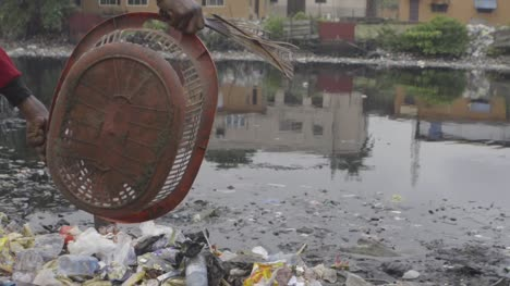 Rubbish-in-Water-Nigeria-02