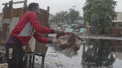 Rubbish-in-Water-Nigeria-03