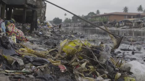 Rubbish-in-Water-Nigeria-05
