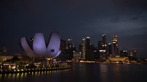 Art-and-Science-Museum-Singapore-at-Dusk