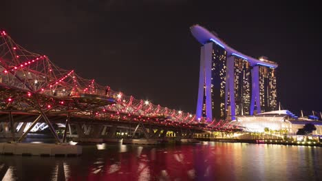 Helix-Bridge-and-Marina-Bay-Sands-Hotel-Singapore