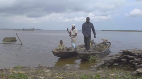 Boats-on-Riverbank-Nigeria-02