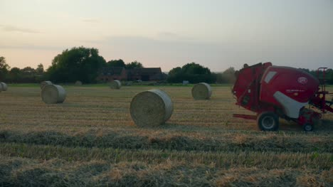 Tractor-Baling-Straw-06