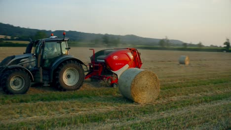 Tractor-Baling-Straw-07