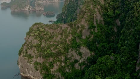 Ha-Long-Bay-by-Air-01