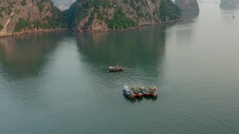 Ha-Long-Bay-by-Air-03