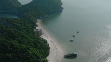 Ha-Long-Bay-by-Air-15