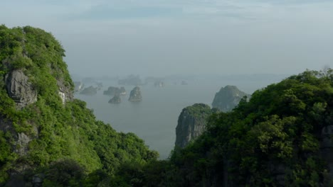 Ha-Long-Bay-by-Air-29