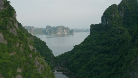 Ha-Long-Bay-by-Air-32