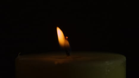 CU-Candlelight-Flame-Moving-Slowly