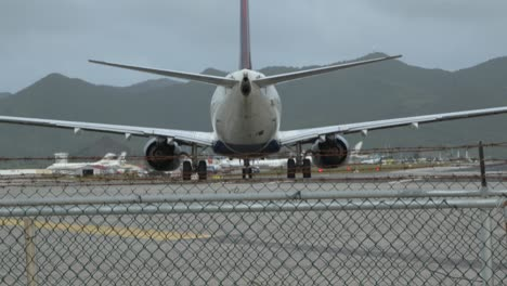 Delta-Flight-Departing-SXM