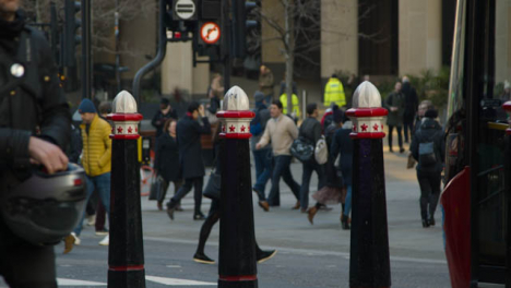 People-And-Traffic-In-A-Busy-London-Street-Daytime