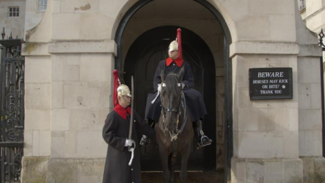 Horse-Guards-Of-The-Household-Cavalry-At-Whitehall-Central-London