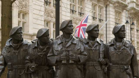 Soldier-Statue-with-British-Flag-Whitehall-London