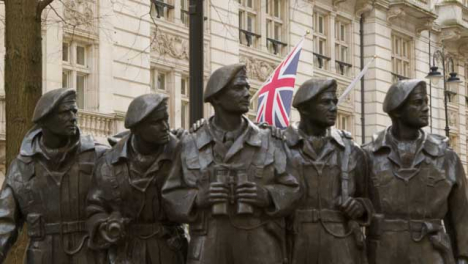 Soldier-Statue-with-British-Flag-Whitehall-in-London
