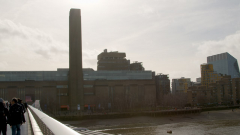 The-Thames-And-Tate-Modern-From-Millennium-Bridge