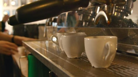 Tracking-Along-Coffee-Machine-in-Cafe-01