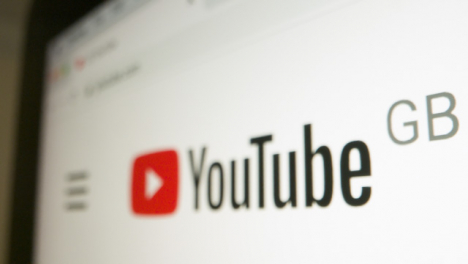 Close-Up-Youtube-GB-Logo-on-Monitor