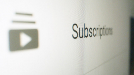 Close-Up-Youtube-Subscriptions-button-on-Sidebar