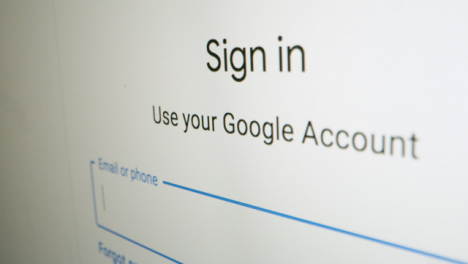 Close-Up-Pan-Google-Sign-In-Webpage