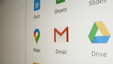 Pan-of-Various-Google-Apps-on-Screen