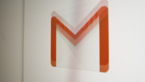 Quickly-Scrolling-to-Google-Gmail-Icon