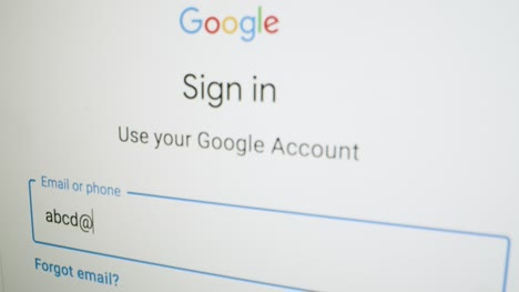 Close-Up-Logging-In-on-Google-Sign-In-