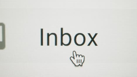 Close-Up-Pan-Clicking-on-Gmail-Inbox-Button