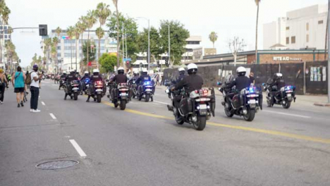Hollywood-Police-Motorbikes-During-Protests