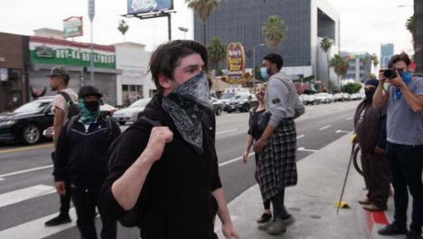 Hollywood-Protester-Offers-First-Aid-to-Others-During-Protests